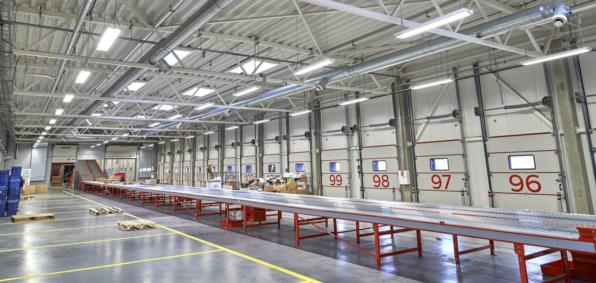 DPD Lietuva zařízení pro třídění parcel v Kaunas, Litva